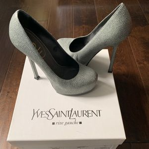 YSL Yves Saint Laurent Tribute Pump 35.5